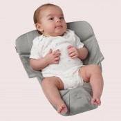 Ergobaby原創款新生兒保護墊寶寶圖