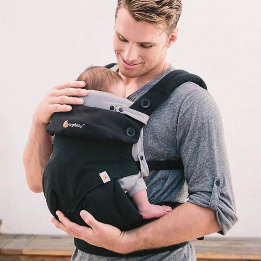 Ergobaby原創款新生兒保護墊在背巾內